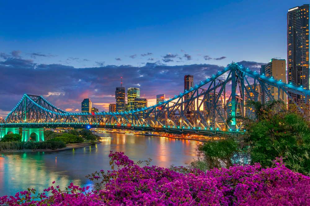 Date diff in Brisbane